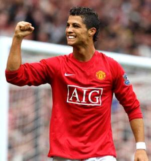 http://tikapunya.files.wordpress.com/2008/12/cristiano_ronaldo_football_hero.jpg